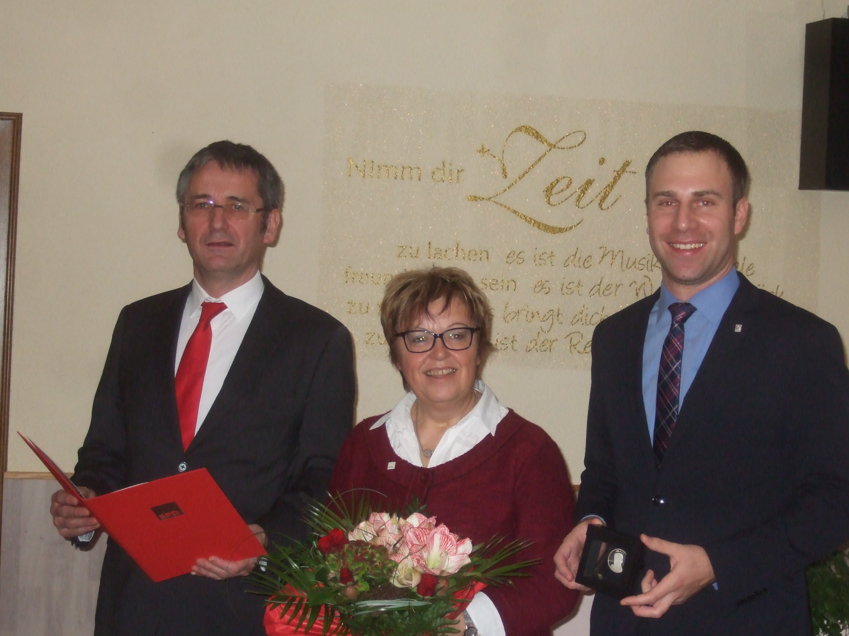 Ehrung langjähriger SPD-Mitglieder – Monika Fink mit der Willy-Brandt-Medaille ausgezeichnet