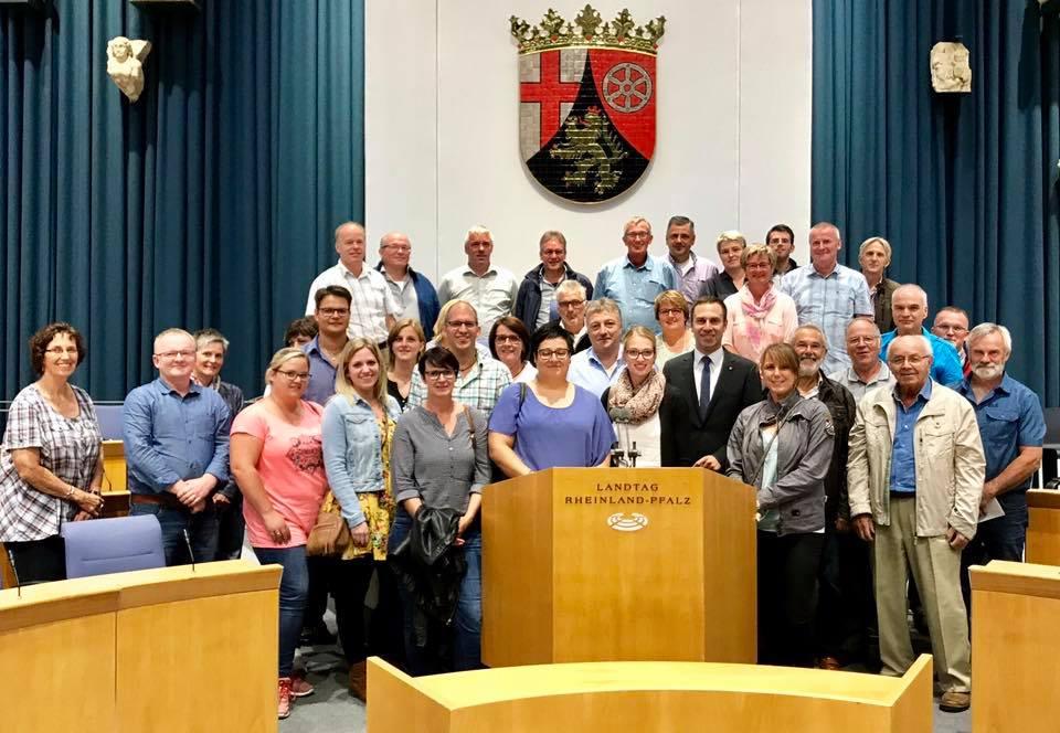 Bürgerinnen und Bürger aus Daleiden besuchen den Landtag in Mainz