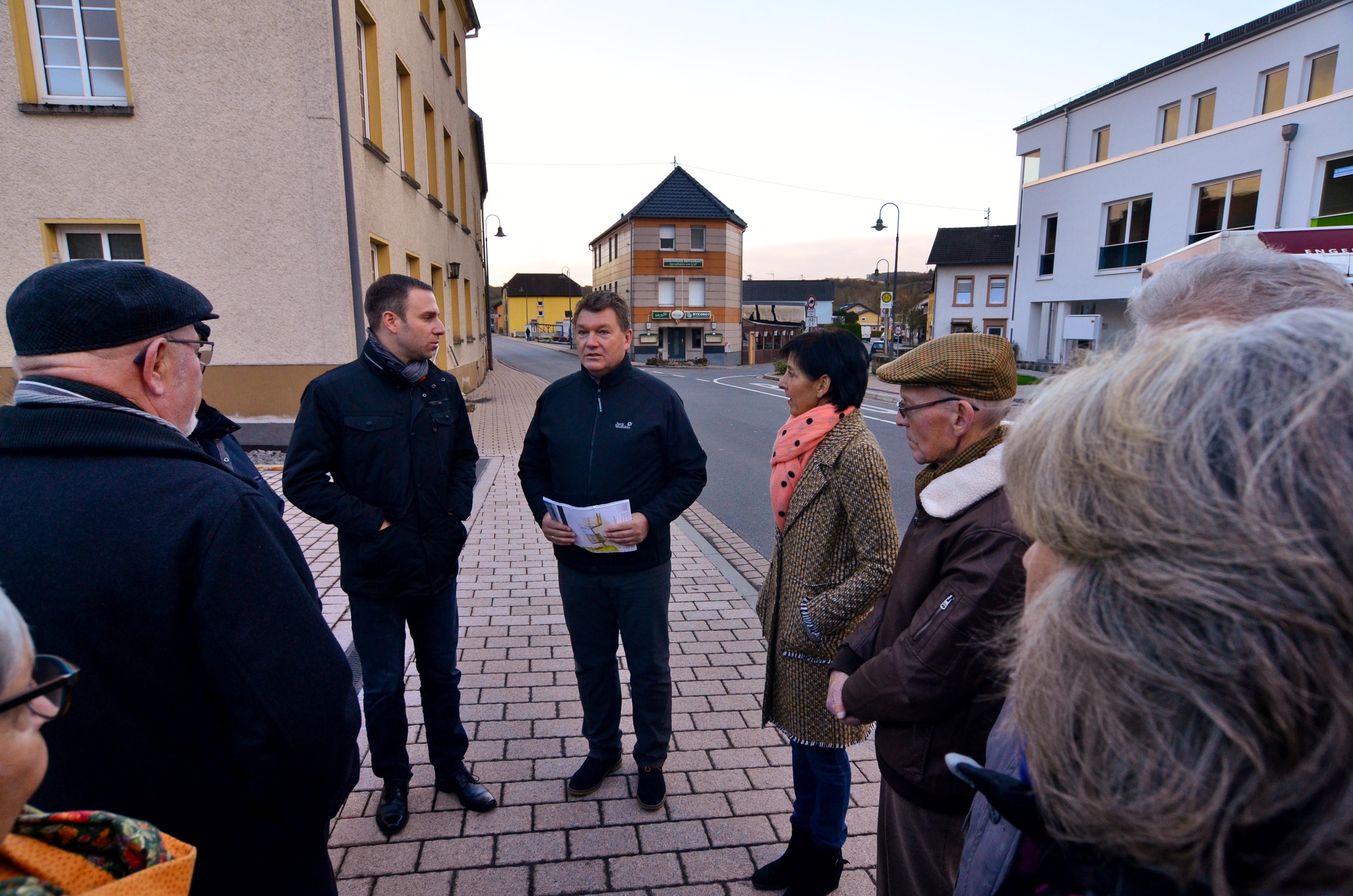 Nico Steinbach besucht die Ortsgemeinde Echternacherbrück