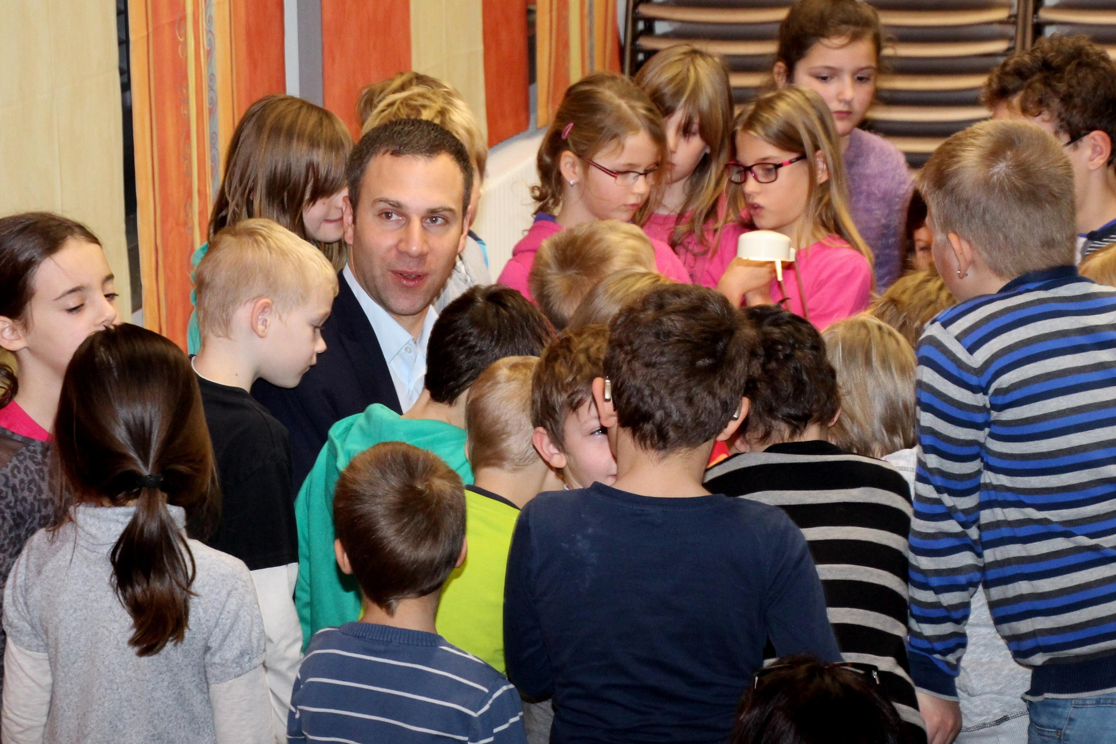 Vorlesetag 2017:  Nico Steinbach besucht die Astrid-Lindgren-Schule in Prüm